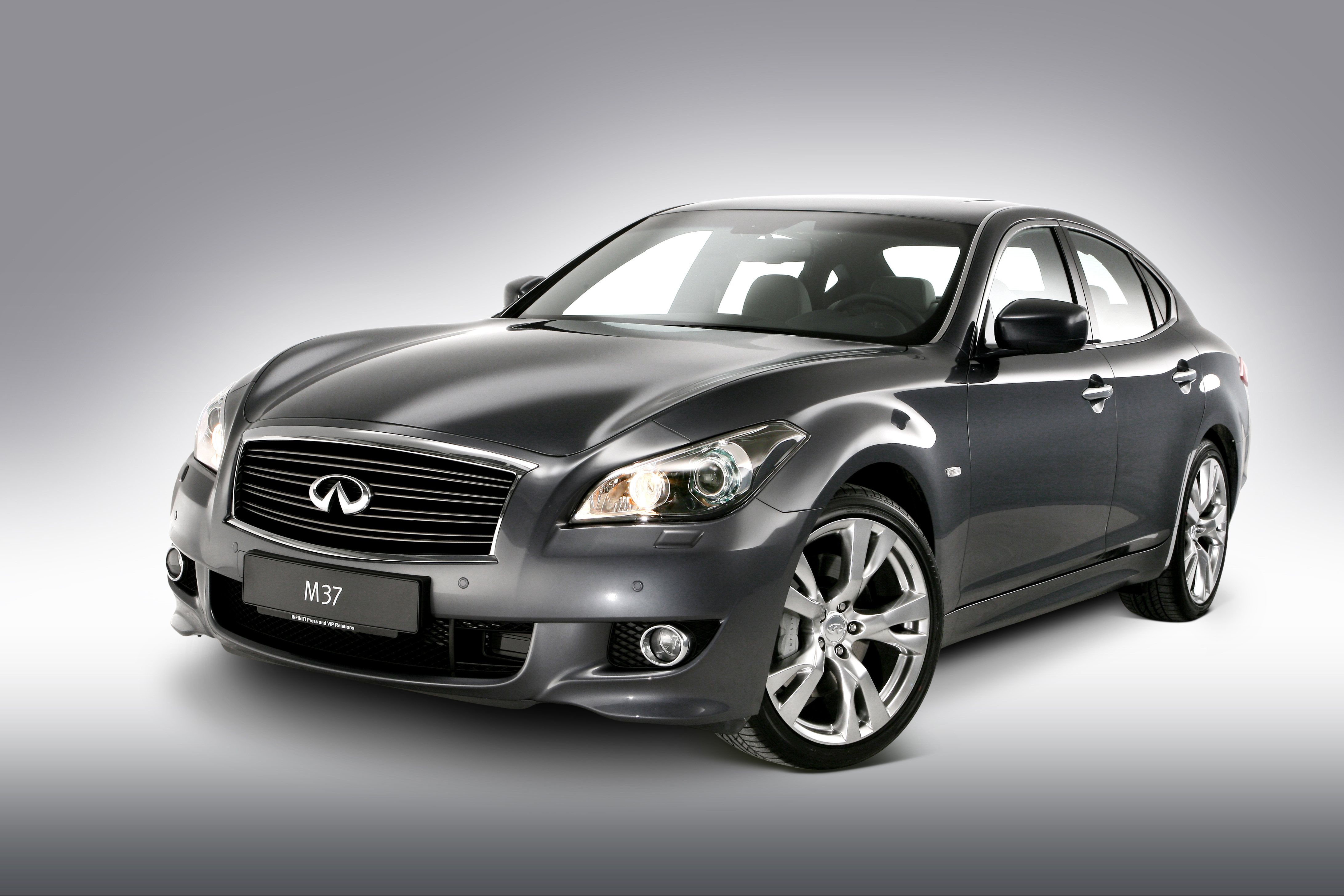 Nissan Luxury Brand >> Nissan S Luxury Brand Infiniti To Go On Sale In Australia In
