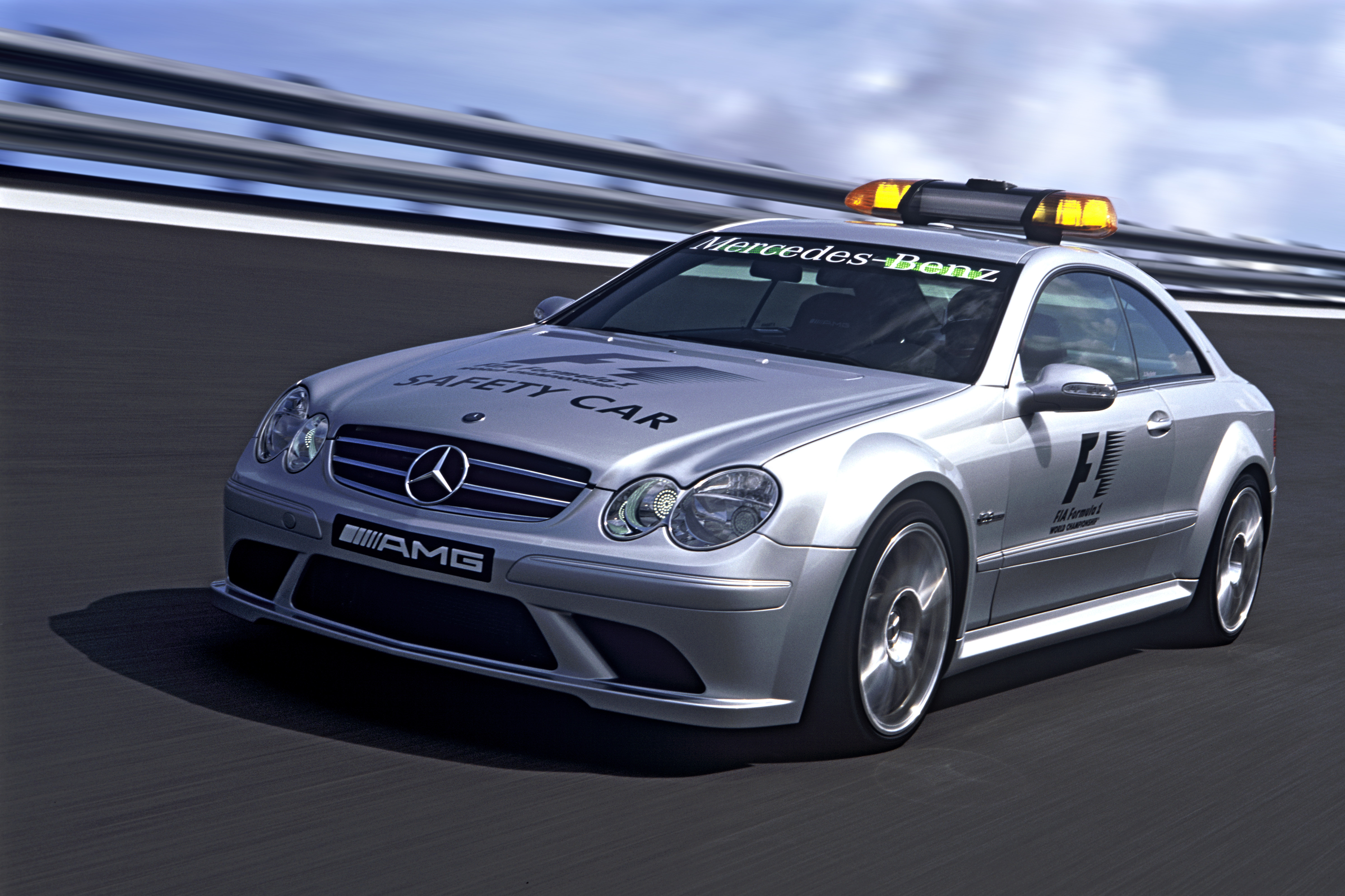 Mercedes amg official f1 safety car medical car photo for Mercedes benz safety