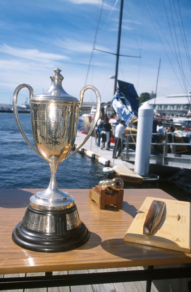 56253_'01 Sydney to Hobart -Trophy.jpg