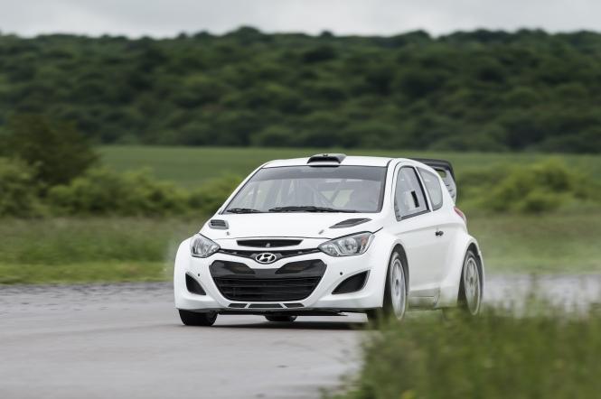HYUNDAI I20 WRC Test