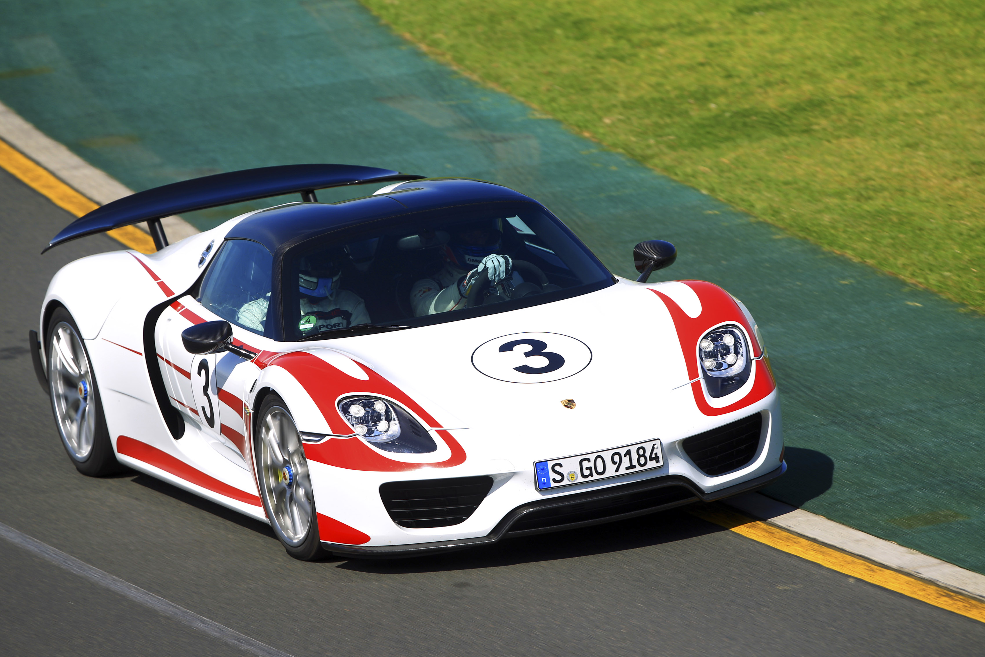 porsche takes the 918 to aussie outback and goes flat out joel strickland 39 s blog. Black Bedroom Furniture Sets. Home Design Ideas