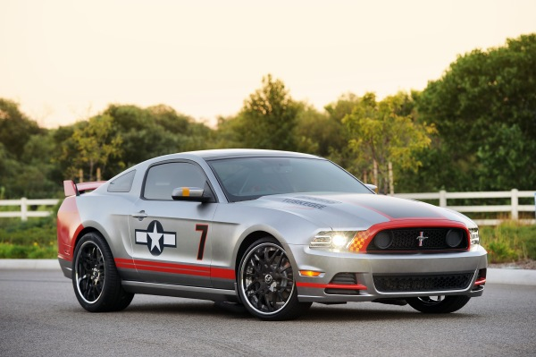 2012-RedTailMustang-red-tails-mustang-01